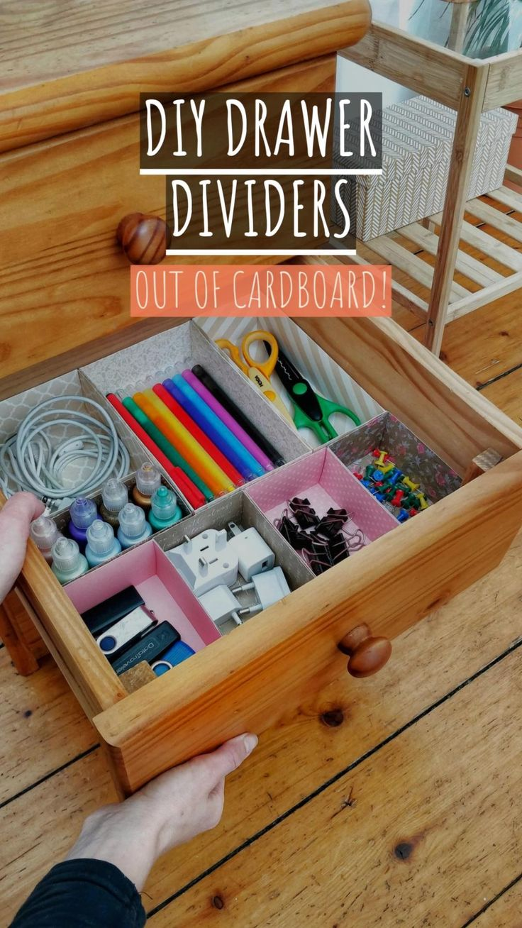 Make these DIY organizers on a low budget with cardboard! It's a fun DIY project to organize office on a low budget and clean up the mess on your desk! This drawer organizer is my favorite. #organizer #diyorganizer