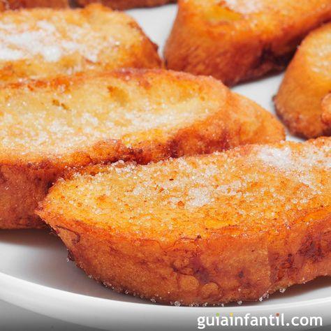 Receta de torrijas de la abuela. El postre más tradicional de la Semana Santa, estas torrijas de la abuela tienen lo mejor de los postres sencillos y fáciles, y un sabor con aroma a canela y azúcar inolvidable.