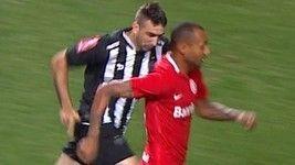 Inter faz 2º sobre Galo em falha de Victor; siga aqui (Reprodução/TV Globo)