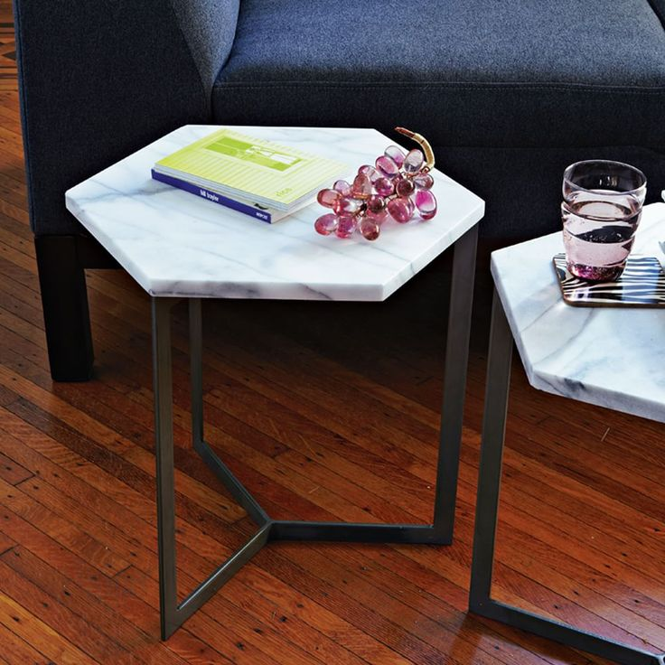 Marble And Gold Margaux Laptop Table: Кофейные столики