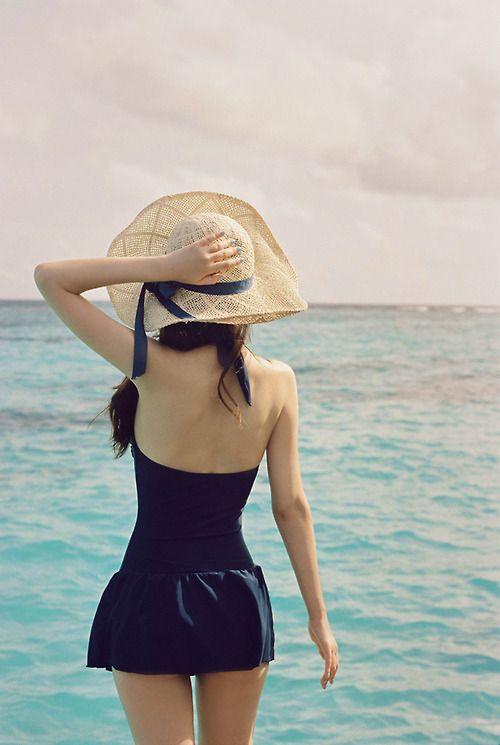 Swimsuit, hat, beach