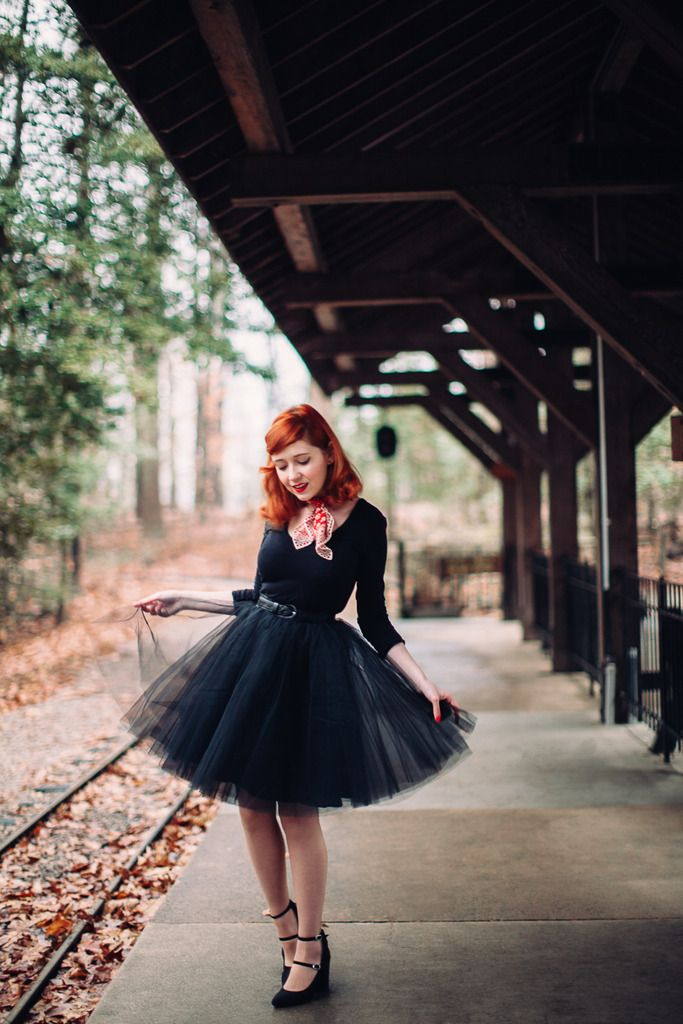 Stunning Tulle skirt outfit - A Clothes Horse.  She is simply bewitching!