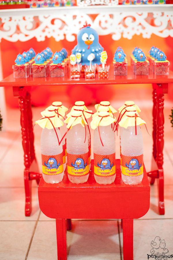 montar duas mesas assim p as lembrancinhas look nice,porem em branco ou branco c azul, para as mesinhas
