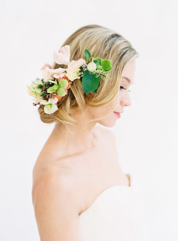 Photography : Kayla Barker Fine Art Photography | Floral Design : Bows and Arrows Read More on SMP: http://www.stylemepretty.com/2016/10/20/a-grace-kelly-inspired-wedding-inspiration/
