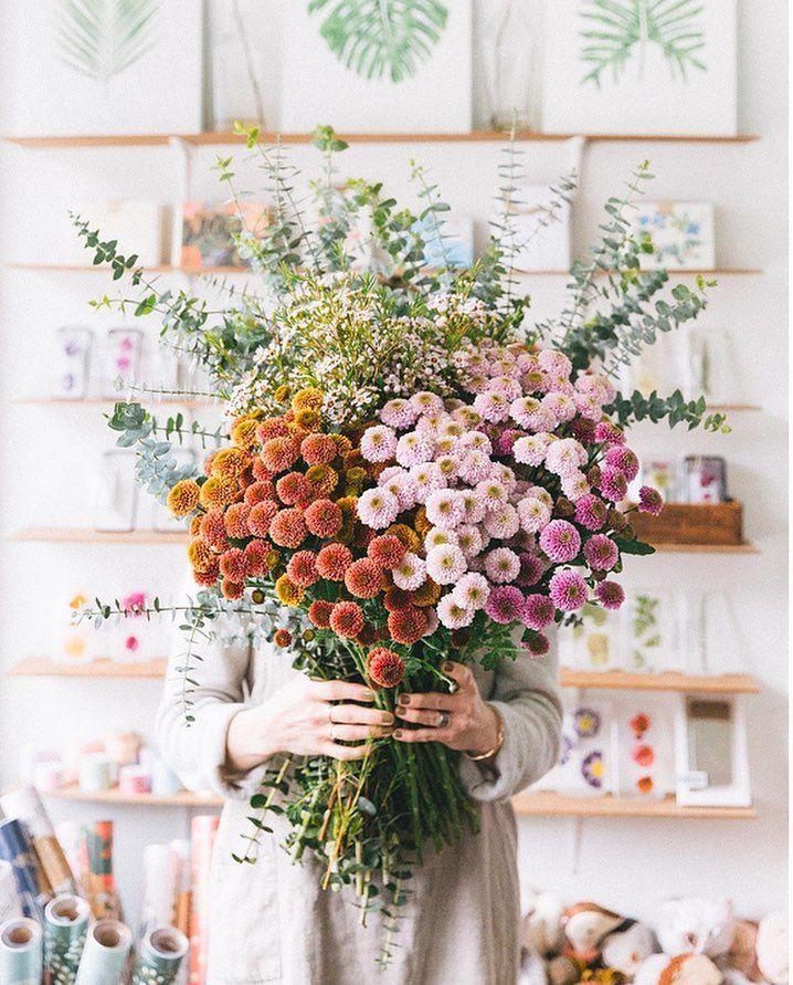 Strauß wilder Blumen.   – Random