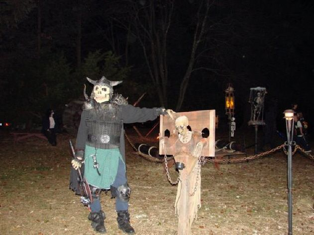 107 best haunted hayride ideas images on pinterest halloween ideas halloween stuff and halloween prop - Halloween Ideas For Yard