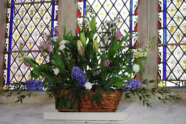 For Hire: Flower Arrangement Baskets. £5 each (7 available). Plastic lined. http://www.rosetintmywedding.co.uk/#!for-hire/c14d8