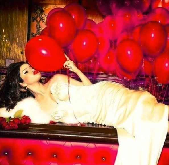 "Selena Gomez tries her own brand of ""99 Red Balloons."""