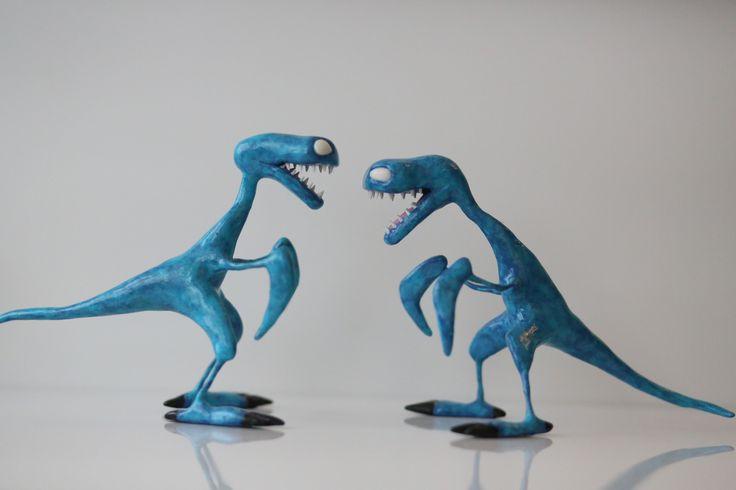 Dragons gegene chasseurs de dragons réalisation fimo hauteur 12 cm