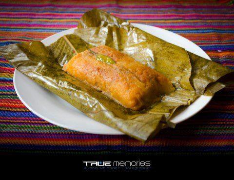 Los Paches guatemaltecos, son tamales cuya masa es a base de papa, y llevan la salsa o recado mezclado dentro de la misma masa.  Para que veas más videos de deliciosas recetas de Guatemala vi...