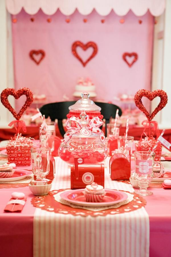 same table setting from the front - even cuter with little mailboxes and jars full of candy down center of table.  Also love the napkin with heart tucked inside label