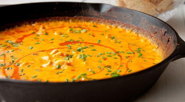 Une Trempette chaude...Poulet Buffalo et fromage - Recettes - Recettes simples et géniales! - Ma Fourchette - Délicieuses recettes de cuisine, astuces culinaires et plus encore!