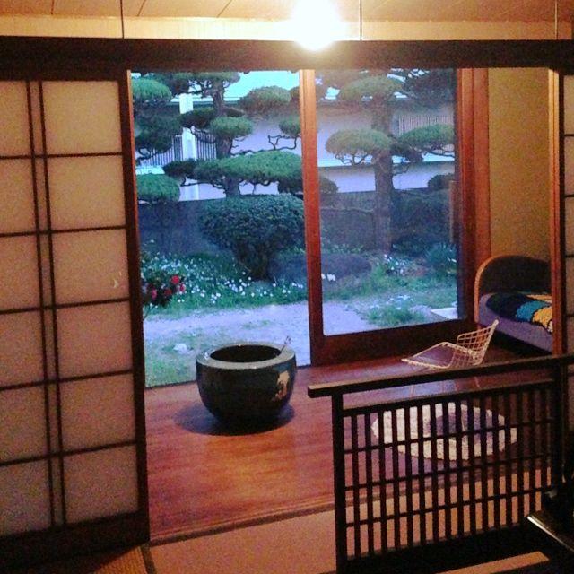 Mikalincoさんの、部屋全体,アンティーク,窓辺,縁側,囲炉裏,レトロ家具,春なのに。,のお部屋写真