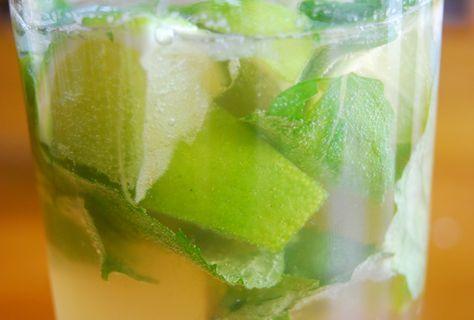 Een heerlijke mojito zonder alcohol op basis van Canada Dry (of Sprite), amper te onderscheiden van de originele cocktail.