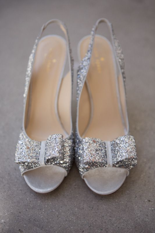 Photography By / http://valeriaduque.net,Photography By / http://efeunodos.com    sparkle silver shoes