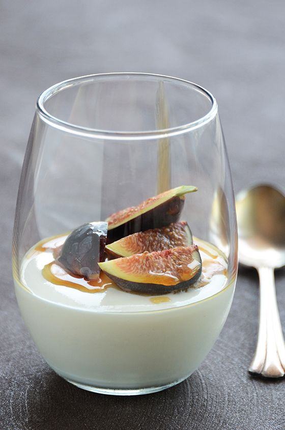 Yogurt Mousse with Honey and Fresh Figs