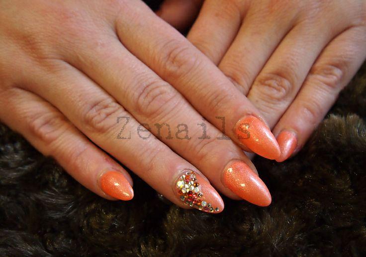 LCN gel nails with Swarovski crystals | Kynsistudio Zenails