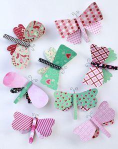 Je kunt zelf vormen bedenken voor de vleugels van de vlinders. Wanneer je het papier dubbel vouwt voordat je knipt dan heb je twee gelijke vleugels. Benodigdheden: behangpapier/bedrukt papier wasknijpers evt. ziverdraad voor voelsprietjes