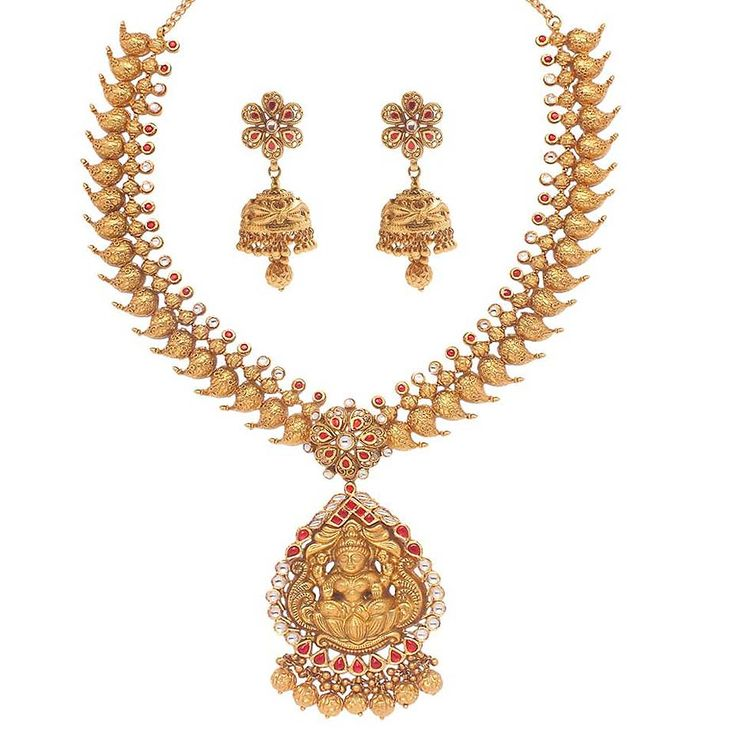 Laxmi is carved in 22ct gold in this intricately carved set from Anmol Jewellers' Temples of India collection, which was designed for the festival season.