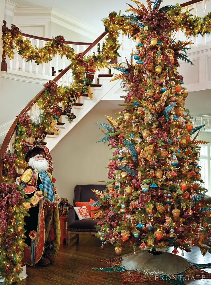 Best 25 Christmas Staircase Ideas On Pinterest