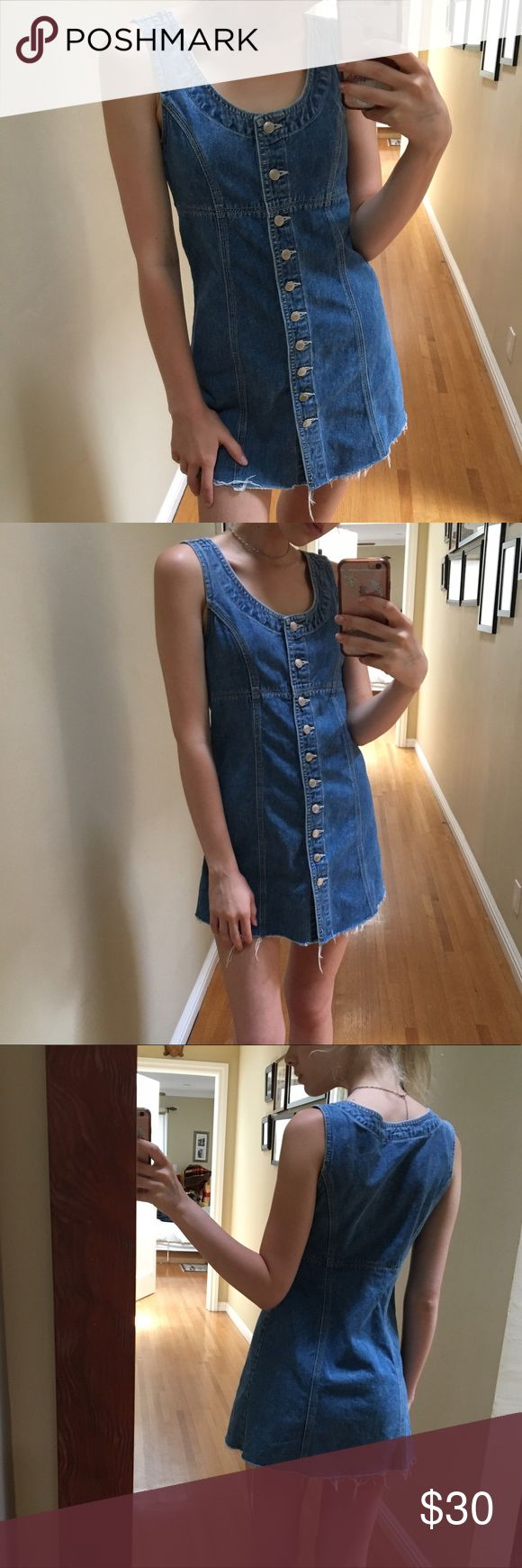 vintage button up denim dress the CUTEST vintage denim dress i have ever owned but my dumbass cut it too short :(((( it buttons up and has an a-line fit! would best fit an XS petite (shown on 5'7 23w) Vintage Dresses Mini
