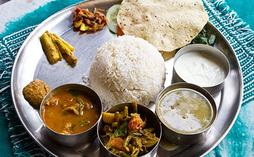 Dal bhat (plat national népalais) - WeCook