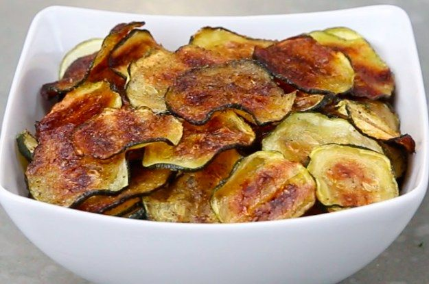 These Baked Fruit And Veggie Chips Are The Perfect Snack