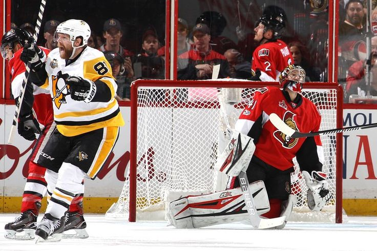 NHL playoff scores 2017: Penguins rebound with Game 4 win to tie series