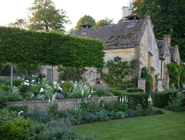 Rambling Cotswolds garden by Jinny Blom. Photo by Johnny Hopkinson. www.jinnyblom.com