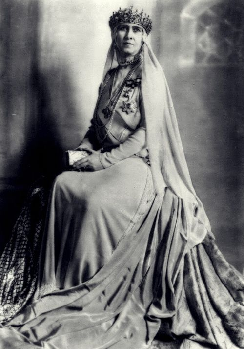 "Queen Dowager Sophia of Greece | In her older yrs, she became increasingly religious. She remained Orthodox, but also attended Anglican services. She was also interested in the Protestant lit., especially in the works of the Episcopalian pastor Samuel Shoemaker (""Religion That Works"" & ""Twice Born Ministers"") & the Episcopalian Rev. James Reid (""In Touch W/ Christ"") & had a close correspondence w/ the Anglican pastor R. W. Cole, whom she met in Birchington & spent long hrs praying."