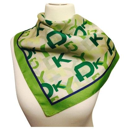 DKNY Cloth with pattern ➜ Buy Second Hand DKNY Cloth with pattern of verified quality for €50.00 in the REBELLE Designer Second Hand Online Store (82260).