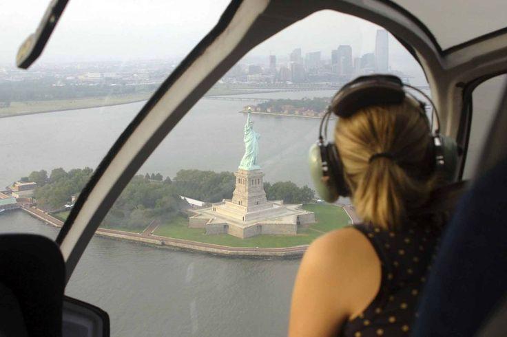 Contrata un tour paseo en helicóptero por Nueva York. Aquí te dejo dos excursiones en helicóptero muy recomendables para tu próximo viaje a NY.