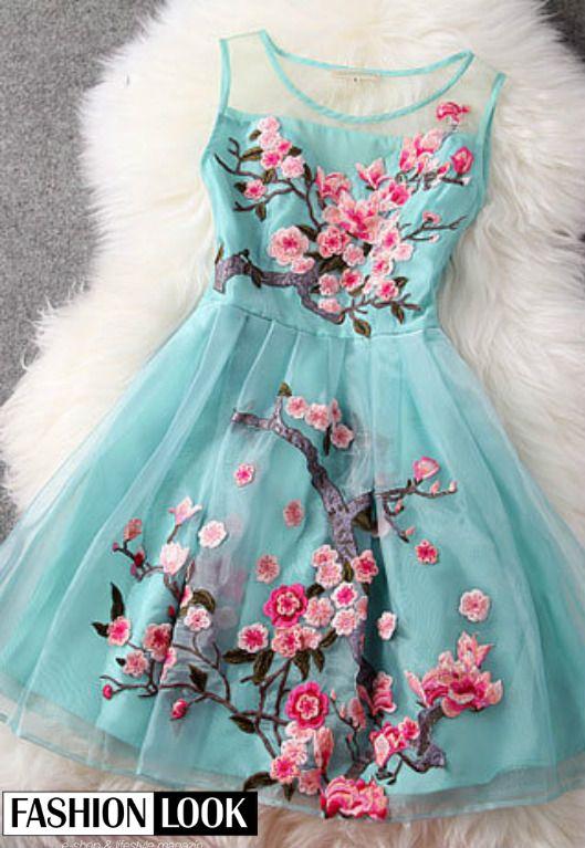 Nádherné šaty.. Čo na ne hovoríte? HOT or NOT? <3 #beautifuldress #nice #dress