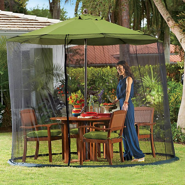 Patio umbrella screen - an insect repellent that you don't have to spray! Keeps mosquitos, flies and wasps away as you eat.: Sprays, Bothersom Insects, Patio Umbrellas Screens, Tables Screens, Umbrellas Tables, Insects Repel, Mosquitoes, 9Ft Umbrellas, Screens Slip
