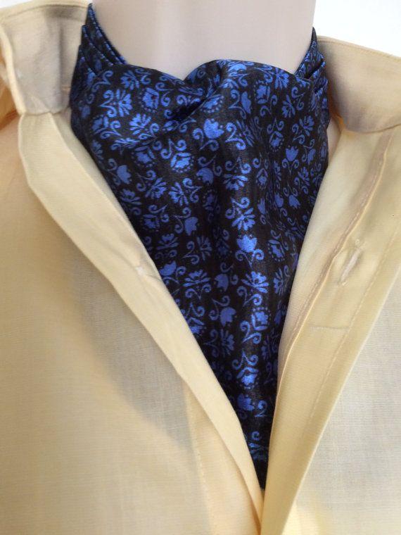 Ascot cravatta cravatta. charmeuse di seta.  Disegno blu sul