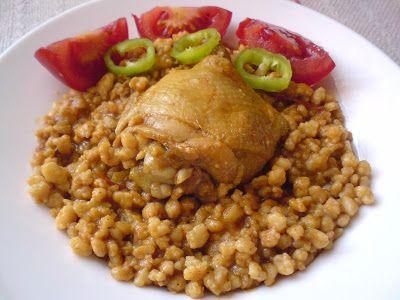 Paprikás krumpli: Csirkepörkölt tarhonyával