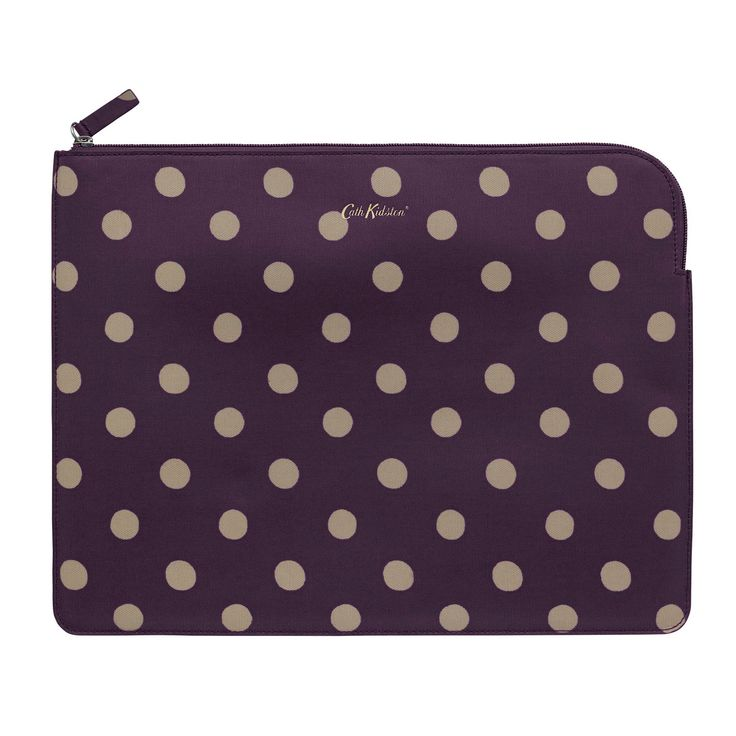 A great accessory for a techy Mum is this bold polka dot ipad case from Cath Kidston!
