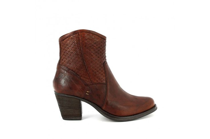Team 4712 Rodeo Whisky - Corrida Whisky - Half boots in real leather vintage look, carved inserts with reptile look and side zip. Rubber sole and heel 6,5 cm high.