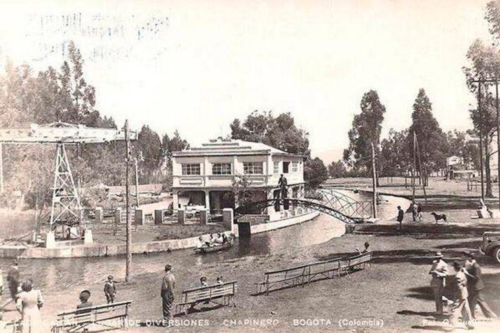 Santafé de Bogotá - Lago Gaitán, lugar de diversiones en Chapinero. Actualmente, allí opera el centro comercial Unilago.