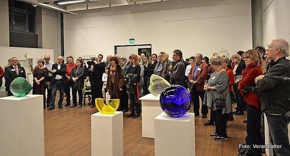 Schauplatz der Glaskunst #CDU in Sulzbach/Saar SULZBACH:11. #Sulzbacher Glaskunsttage: Kunstverein und #Stadt ziehen ueberaus positives Fazit Die #Sulzbacher Glaskunsttage in der Aula zogen #wieder eine Vielzahl von Besuchern aus nah und fern an. #SULZBACH Bei den 11. #Sulzbacher Glaskunsttagen #wurden die Aula und das Freigelaende zu einem begehrten Schauplatz der Glaskunst. Am #Ende der #Veranstaltung http://saar.city/?p=32366
