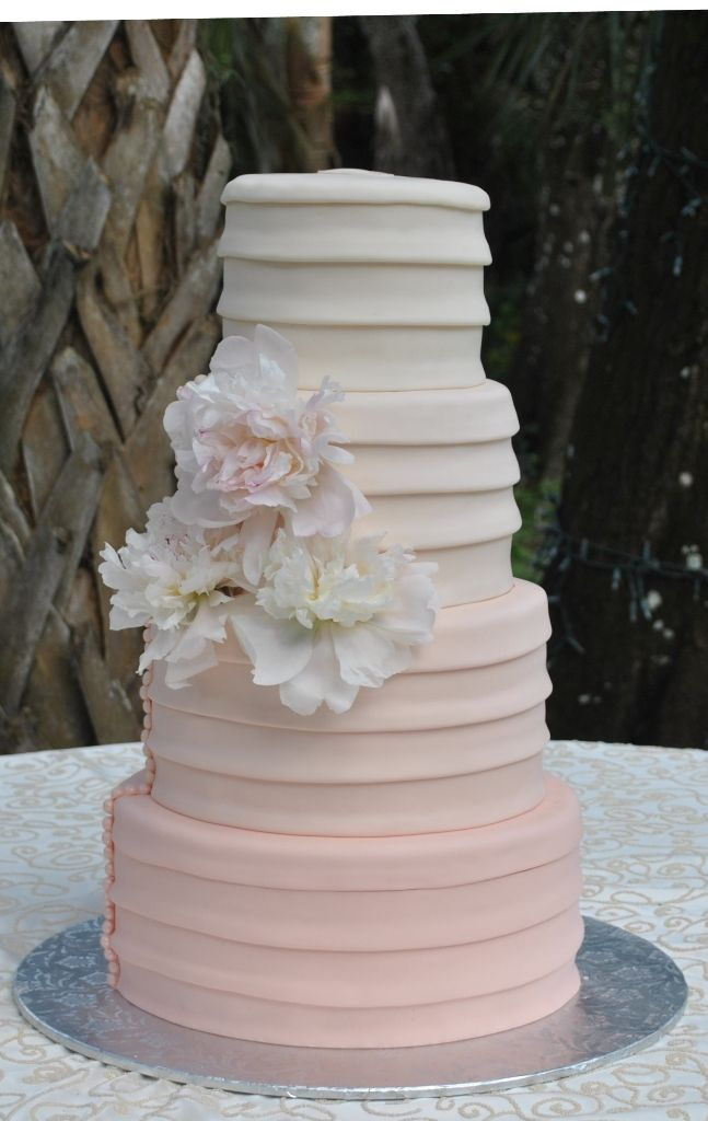 blush and gold wedding cake 75 best images about blush and ivory wedding on 12032