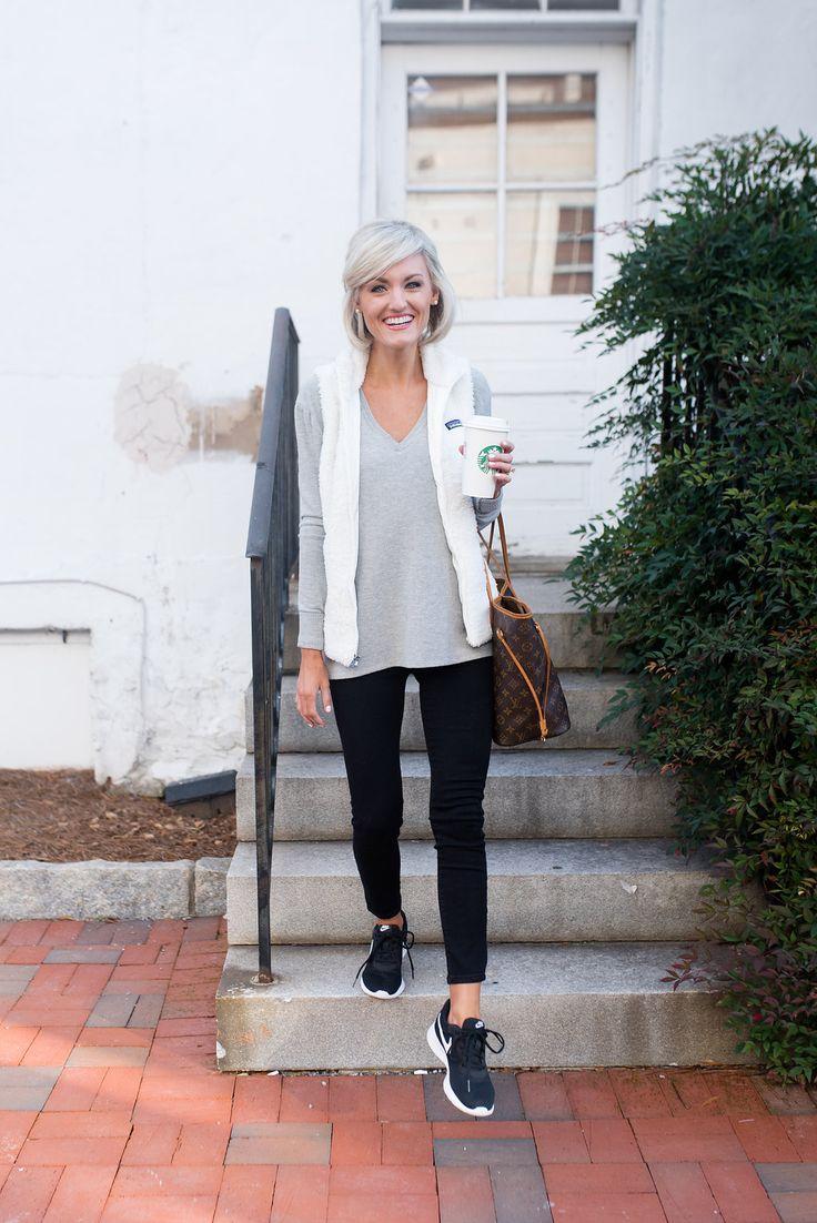 January Athleisure Style + 2018 Goals - Carol Schwieterman