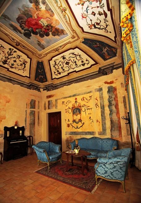 Palazzo Giuderocchi Ascoli Piceno: romantic escape Le Marche--my hotel