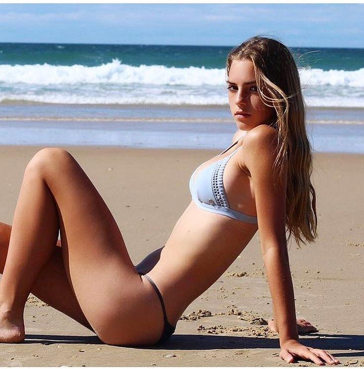 free-video-of-girls-in-bikinis