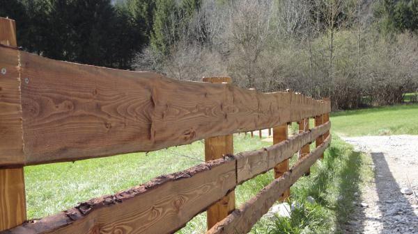 <h2>Recinzioni in legno</h2>