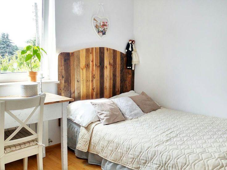 Headboard. Wooden. Old wood. Diy. Do it yourself. Bedroom. Rustic. Scandi. Shabby. Boho.