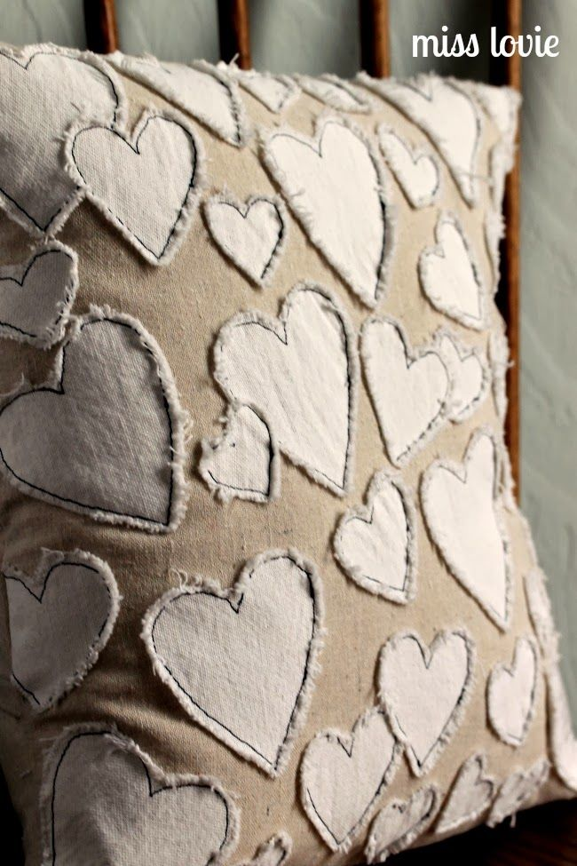 Frayed hearts applique pillow. DIY sewing project inspired by Anthropologie.