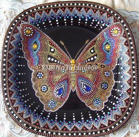 Мне кажется, что уже все, кроме  меня, рисовали бабочку.  Прежде чем начать, я перечитала МК  КЕЛТМЫ--невероятно талантливой художницы и очень щедрого человека. http://www.liveinternet.ru/users/keltma/post160763416/  Сделать копию -- цели не ставила, но Наташины советы очень пригодились.   фото 1