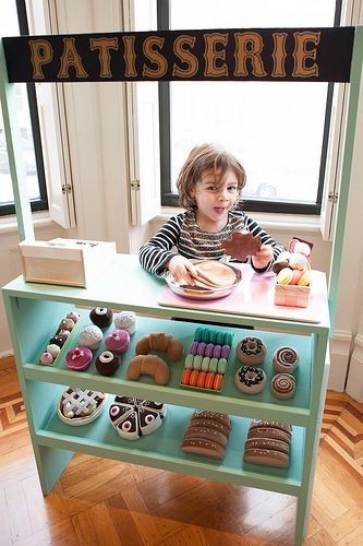DIY Patisserie Stand | Brooklyn Limestone (cannot get over the pretend bakery…