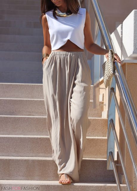 slouchy pants and a white crop top // beachy neutrals
